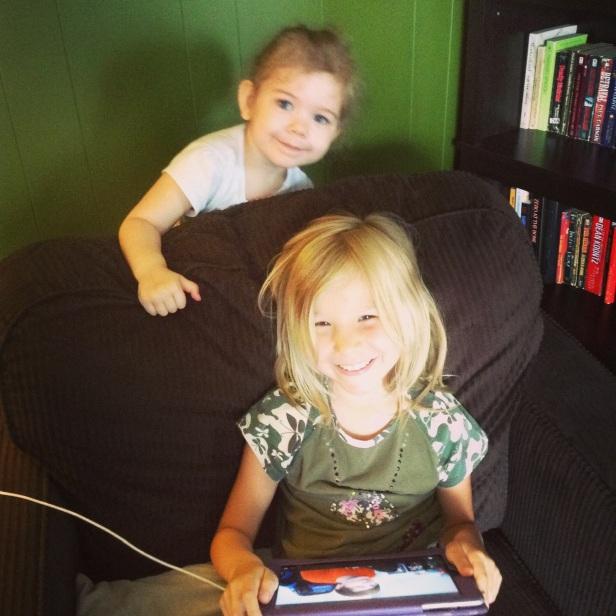 Izzy & Lea