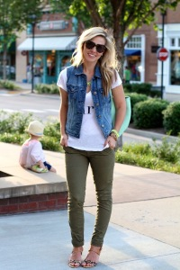 Love these olive skinnies paired with a graphic tee and a denim vest
